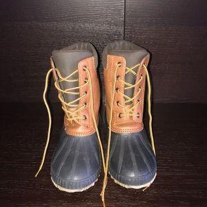 New never used boys GAP waterproof boots sz 5/6